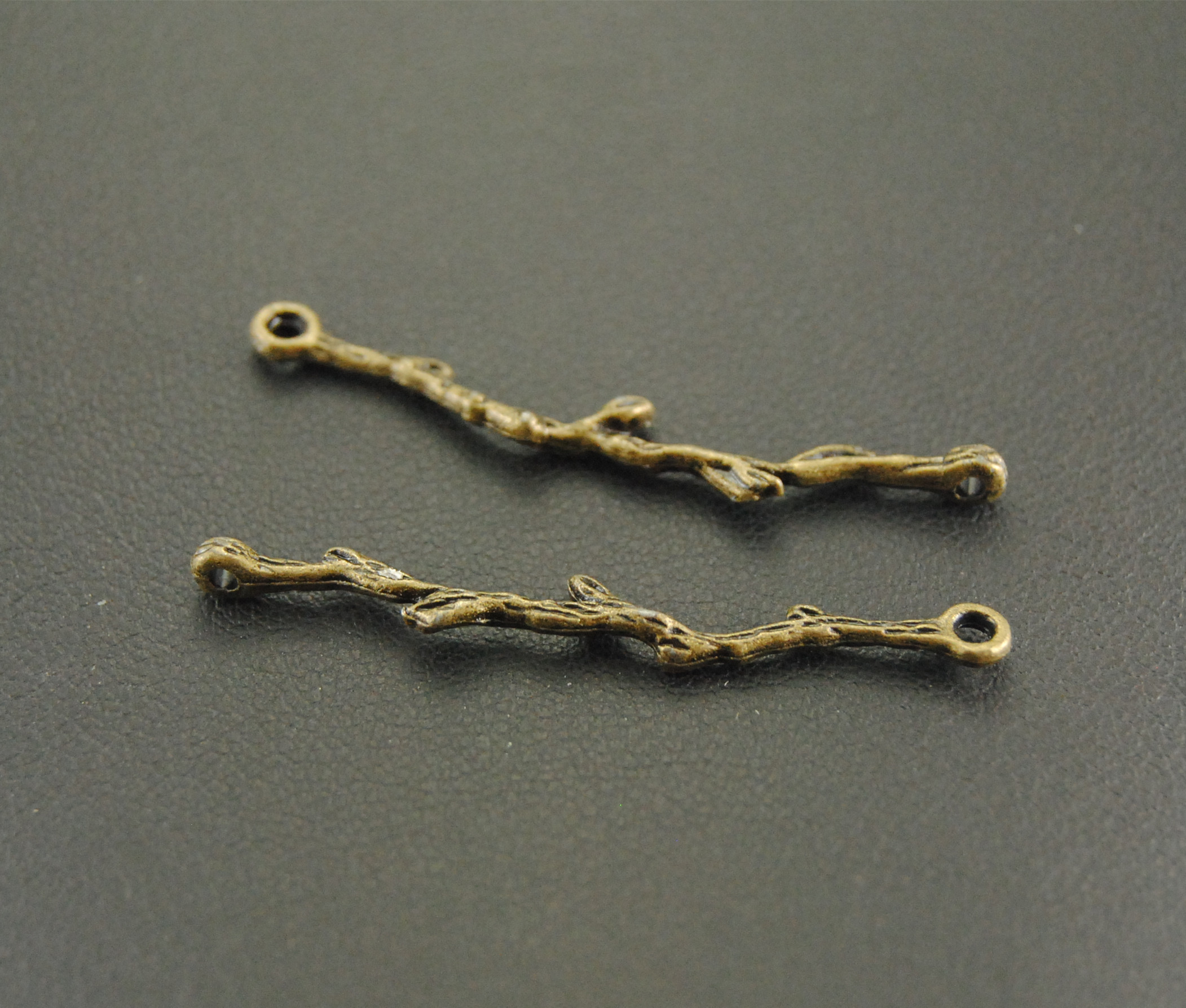 10 pçs bronze filigrana folha ramo charme conector para diy jóias fazendo descobertas a628