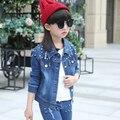 Новая мода новорожденных девочек одежда набор весна/осень джинсовой пальто для девочек куртки набор детей девушки ковбоя пальто + джинсы 1 шт. Сиамские