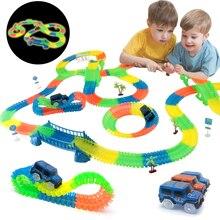 Demiryolu büyülü parlayan esnek parça oyuncak arabalar çocuk yarış Bend raylı parça Led elektronik flaş ışığı araba DIY oyuncak çocuklar hediye