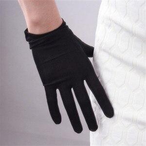 Image 1 - Ipek eldiven 23cm doğal ipekböceği ipek elastik güneş koruyucu güzellik kısa stil kadın siyah dokunmatik gelin eldiven WZS02