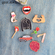 QIHE QH-DEI MONILI Pins e spille Labbra Vino Sigaretta Partite Fiore Rosa Auto Cuore Spille Distintivi Pins collection Donne acc(China)