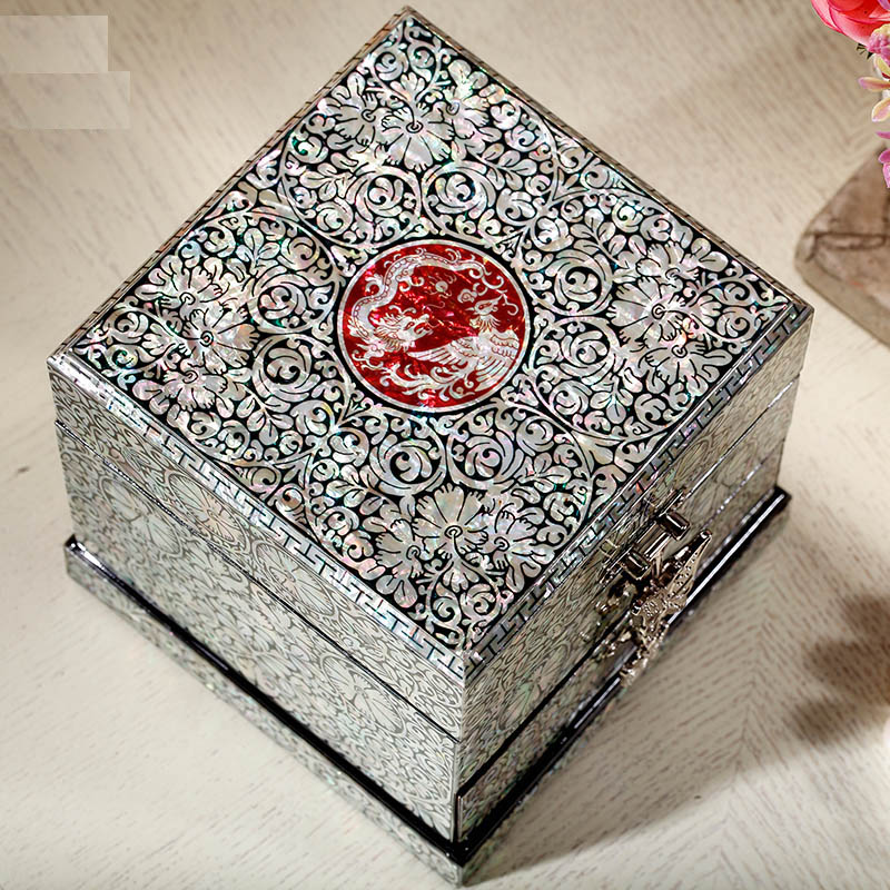 Hand Made Pear Shell-linlaid Jewelry Box Storage Lacquerware Lacquer Arts with Lock 11.8 x 11.8 x 12cm Wedding Gift