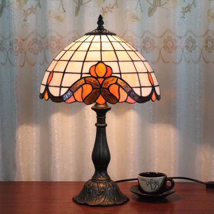 12 Inch Flesh Country Flowers Tiffany Table Lamp Country Style Stained Glass Lamp for Bedroom E27 110-240V