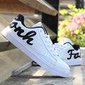 2017 Primavera Otoño de Los Hombres de Moda Zapatos Casuales Negro Blanco Juventud Movimiento Estudiantil Aumentó Dentro de los Zapatos Solos Zapatos de Los Hombres