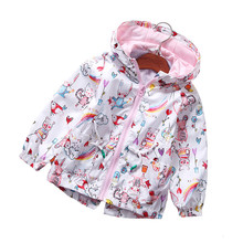 цена на 2019 New Spring Autumn Girls Windbreaker Coat Baby Kids Fruit   Print Waist Hooded Outwear Baby Kids Coats Jacket Clothing 1-8 Y