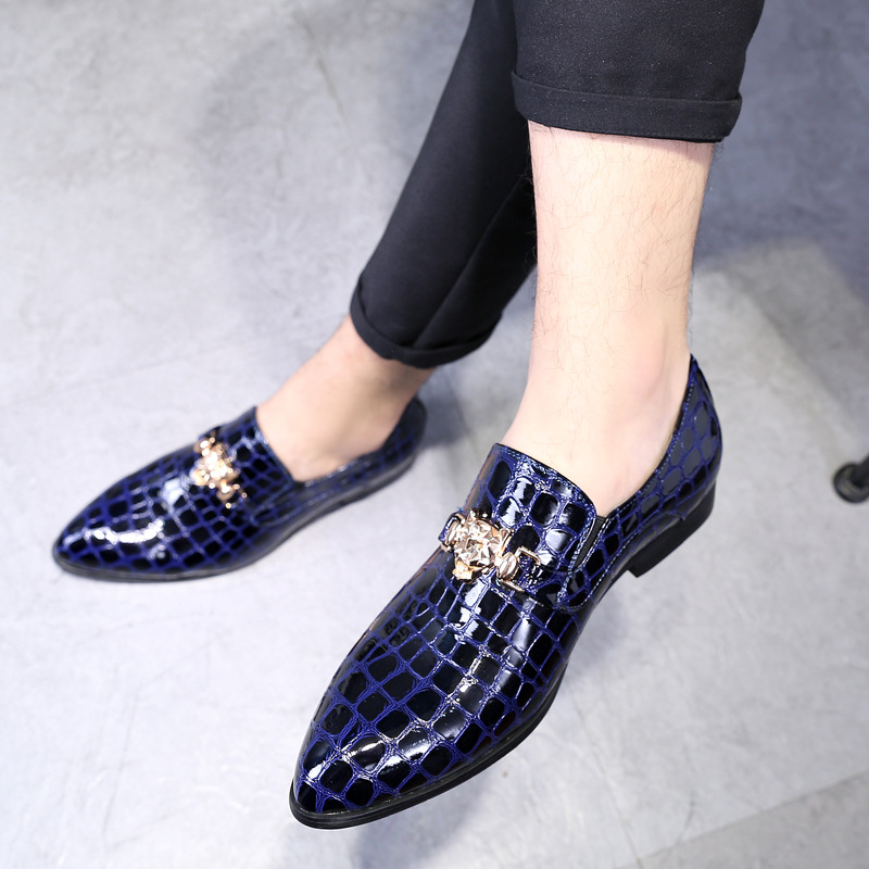 M anxiu Winter Luxury Crocodile Grain Slip On Oxfords Shoes Men Casual Fashion Pointed Toe Dress Shoes New Design