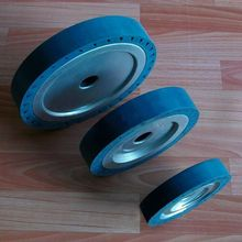 цена на 150*30*25mm High Speed Centrifugal Drum Rubber Polishing Wheel for Sanding Machine with Saning Belt