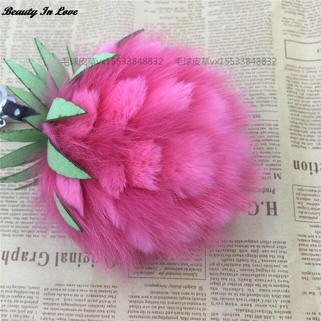 2017 Pineapple Strawberry Fruit Fox Fur Pom Poms Women Bag Bug Monster Bag Charm Genuine Pompom Keychain Luxury Pendant F122