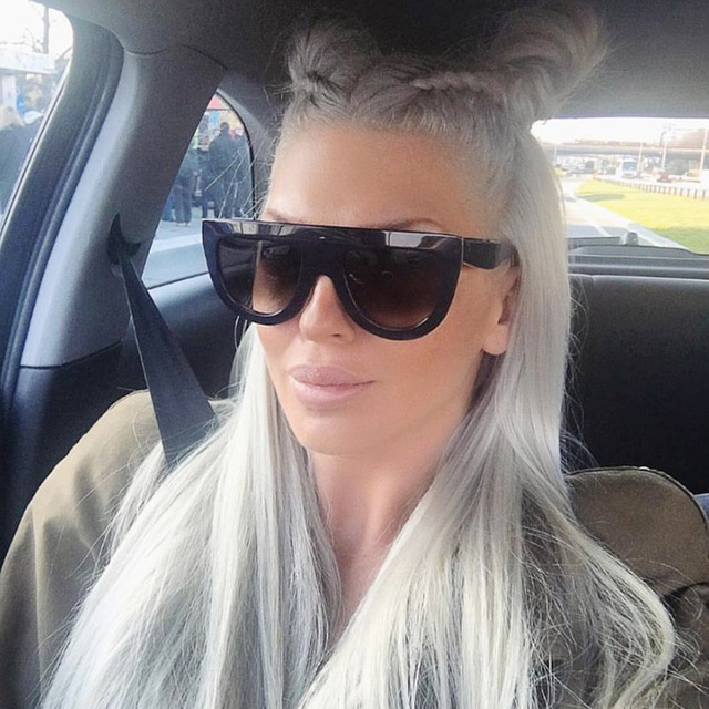 RFOLVE Latest Fashion Sunglasses Women Flat Top Style Brand Design Vintage Sun glasses Female Rivet Shades Big Frame Shades