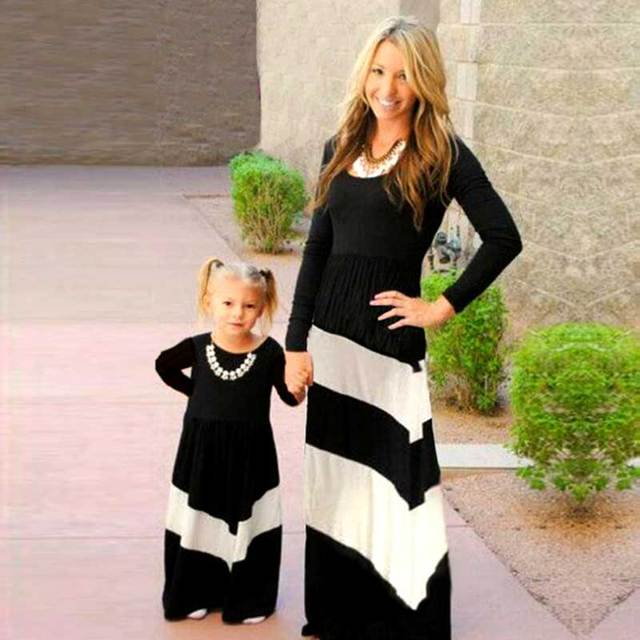 MVUPP Mother daughter dresses family matching outfits patchwork black white  stroped mommy and me clothes mom and girl kids dress 7b546b8362