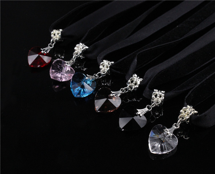HTB1oTLlQFXXXXbfXXXXq6xXFXXX6 - New Fashion Woman Velvet Choker Heart Crystal Pendant Necklaces For Women Jewelry Female Black Ribbon Necklace Party Gift Collar