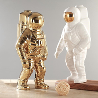 Gold Space Man Sculpture Astronaut Fashion Vase Creative Modern Ceramic Cosmonaut Ornament Model Garden Statue Home Decorations