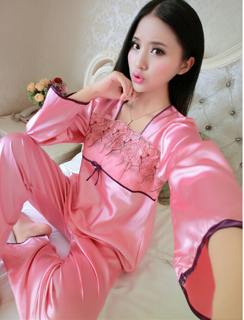 Pyjamas women Long-sleeved silk pajamas thin section Piece fitted tracksuit