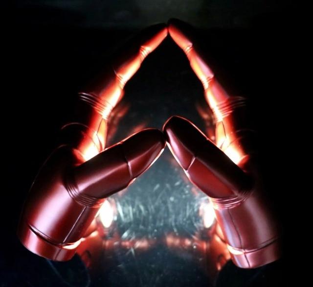 Homem de ferro luva Traje Cosplay, 1:1 O Endgame 4 Vingadores Super Herói Homem De Ferro Mark 3 Luvas com Luz LED Ação PVC Figura Toy