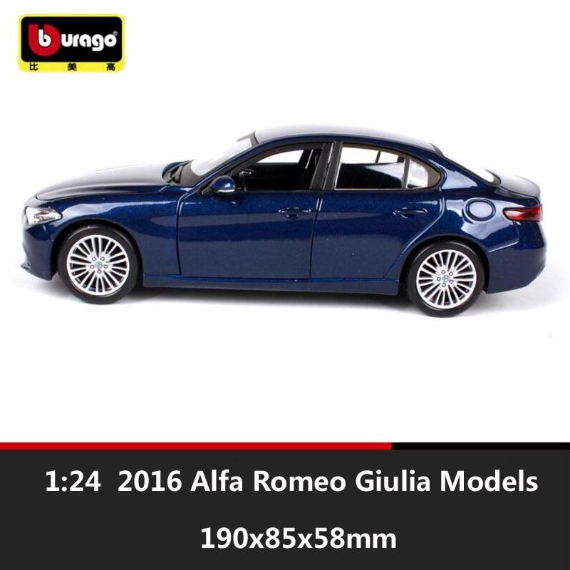 1 24 bburago miniature 2016 Alfa Romeo Giulia 952 metal diecast auto scale cars model vehicle