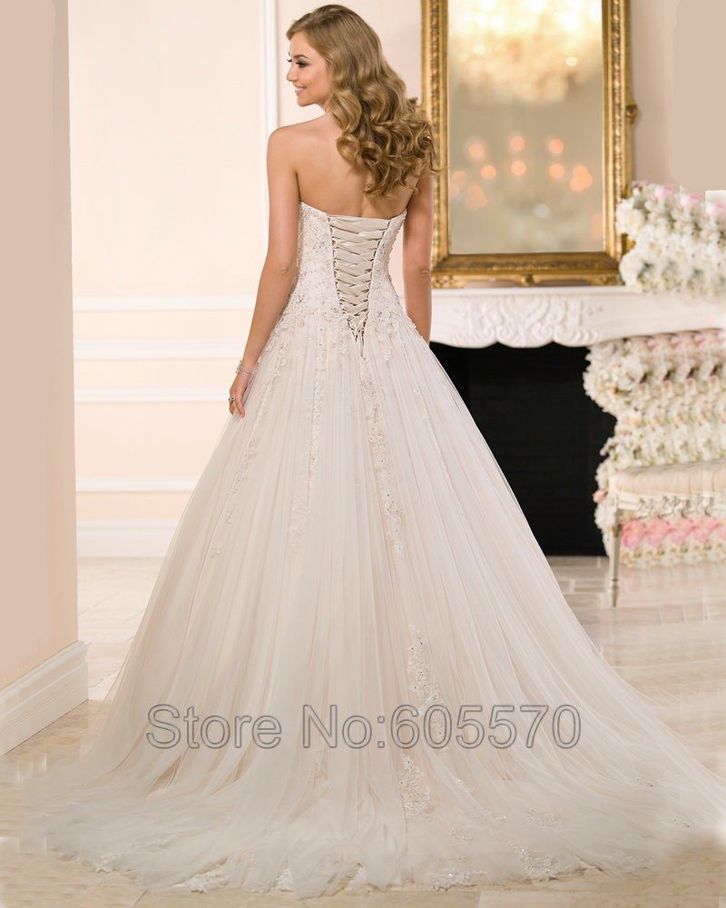 b741460a15 Women Wedding Dress Ball Gown Princess Weding Dresses Bridal Gowns 2016 Corset  Back Gorgeous Corset Wedding Dress-in Wedding Dresses from Weddings    Events ...
