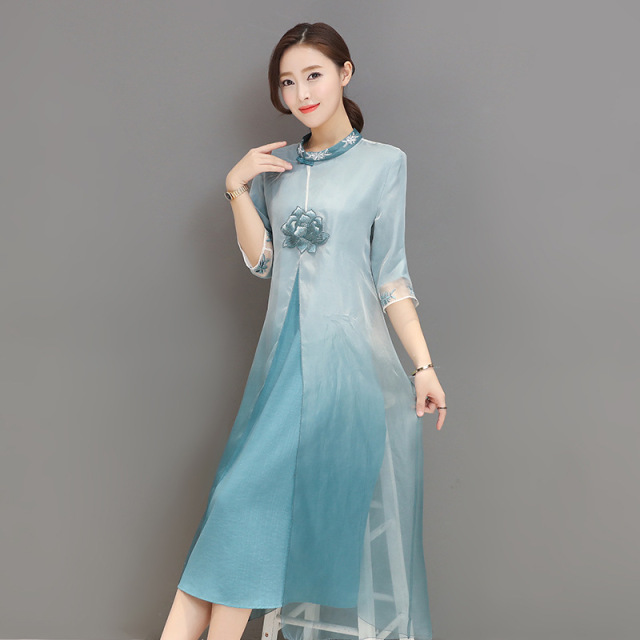 2018 Spring New Feaday Style Of Ancient Chinese Wind Improvement Cheongsam Embroidery Gradual Change Of Silk Summer Dress Woman