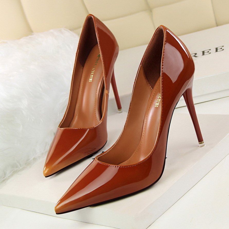 New Autumn Spring  High Heeled Shoes Thin Pointed Sexy Shoes High Heels Shoes Patent Leather Elegant Signle Female Shoes G2617-1 2015 autumn korean style pointed shoes with thin heels original glass double peach heart design shoes leather shoes