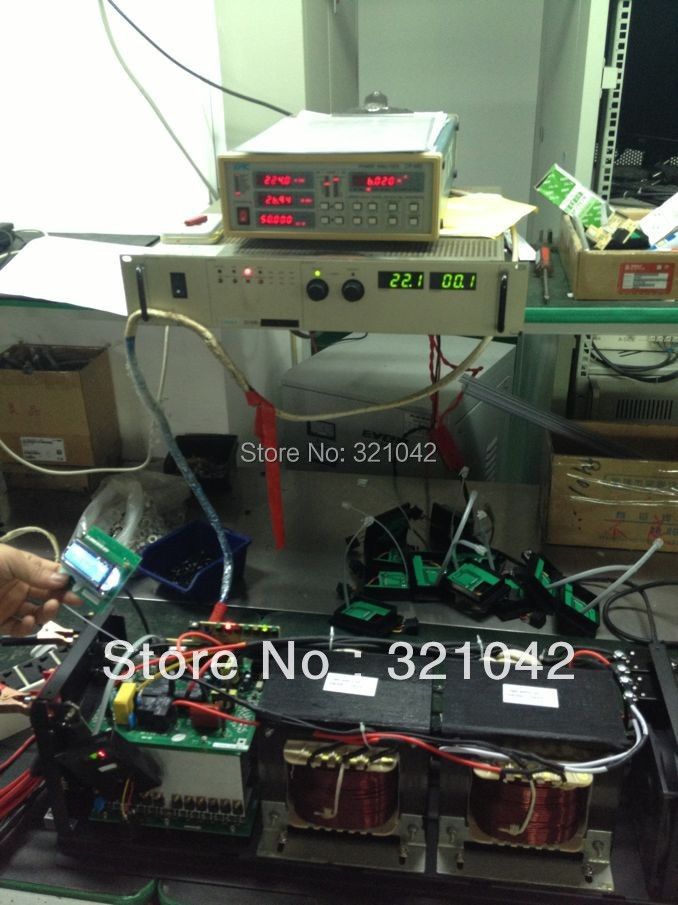 LCD display screen peak power 9000W frequency pure sine wave inverter rated power 3000W DC12V to AC220V 50HZ inverter