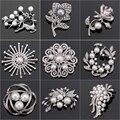 Venta directa de fábrica de cristal de Diamante y Perla de imitación de moda de la flor de hoja y ciervos broche para las mujeres en diseños variados