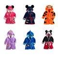 Детские халаты пижамы с капюшоном фланелевая Одежда для мальчиков и девочек банные халаты теплые ночные рубашки с животными мультяшная оде...