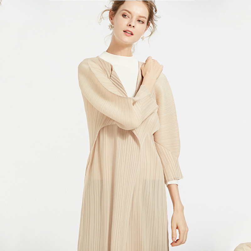 Europe and America fashion long coat new autumn thin wrinkle coat MIYAKE pleated trench wholesale free  shipping