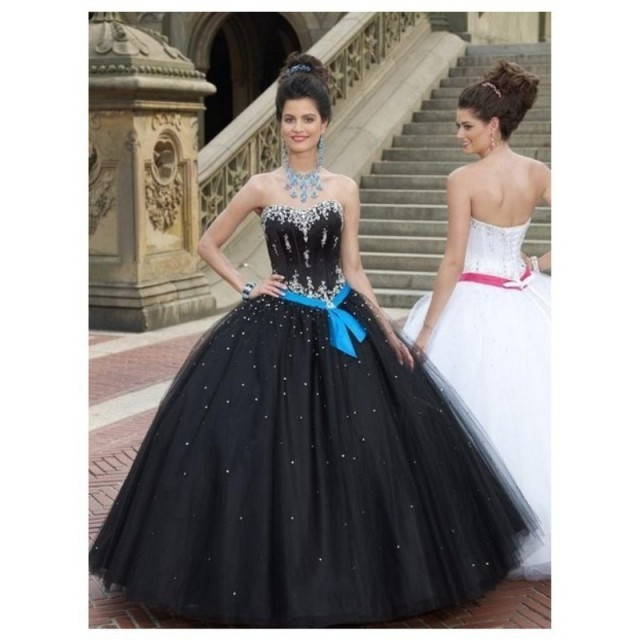 Country Western Gothic Cheap Masquerade Ball Gowns Tulle Sweet 16 Dresses White And Black Quinceanera