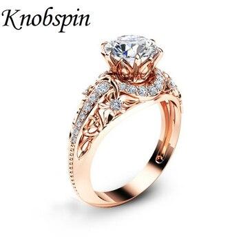 3f5e7ff6a66f Moda europea chapado en oro rosa de Color Zirconia flor anillo para las  mujeres Aniversario de compromiso de boda anillos regalos de joyería anel