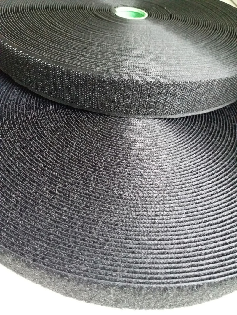 2 roti / set 2.5cm 3cm 4cm * 25m cusă bandă de fixare cârlig și buclă Curele de fixare cu bandă de buclă albă sau neagră de cârlig pentru îmbrăcăminte