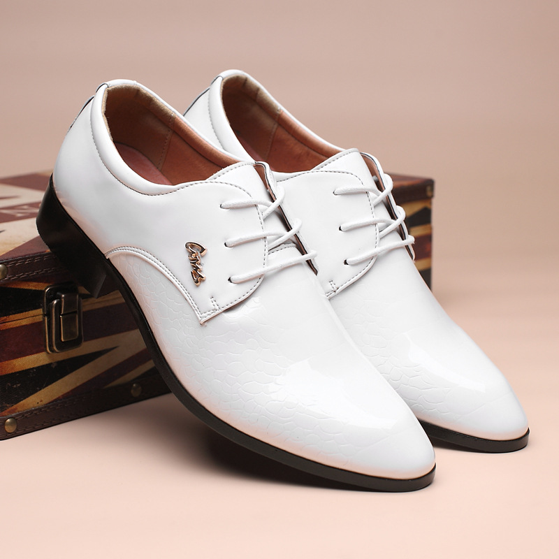 New Brand Handsome Men Leather Flats Oxford Shoes Black Brown White Men Wedding Shoes Pointed Toe Male Business Dress Shoes 8 men s pu leather wedding flats new british men shoes fashion man pointed toe formal wedding shoes male dress shoes
