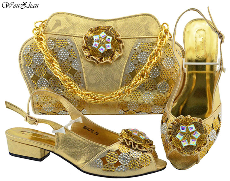 Unique Shoes and Bag Set African Sets gold Ladies Italian Shoes and Bag Set Decorated with Rhinestone Nigerian Shoes !B88-18 все цены