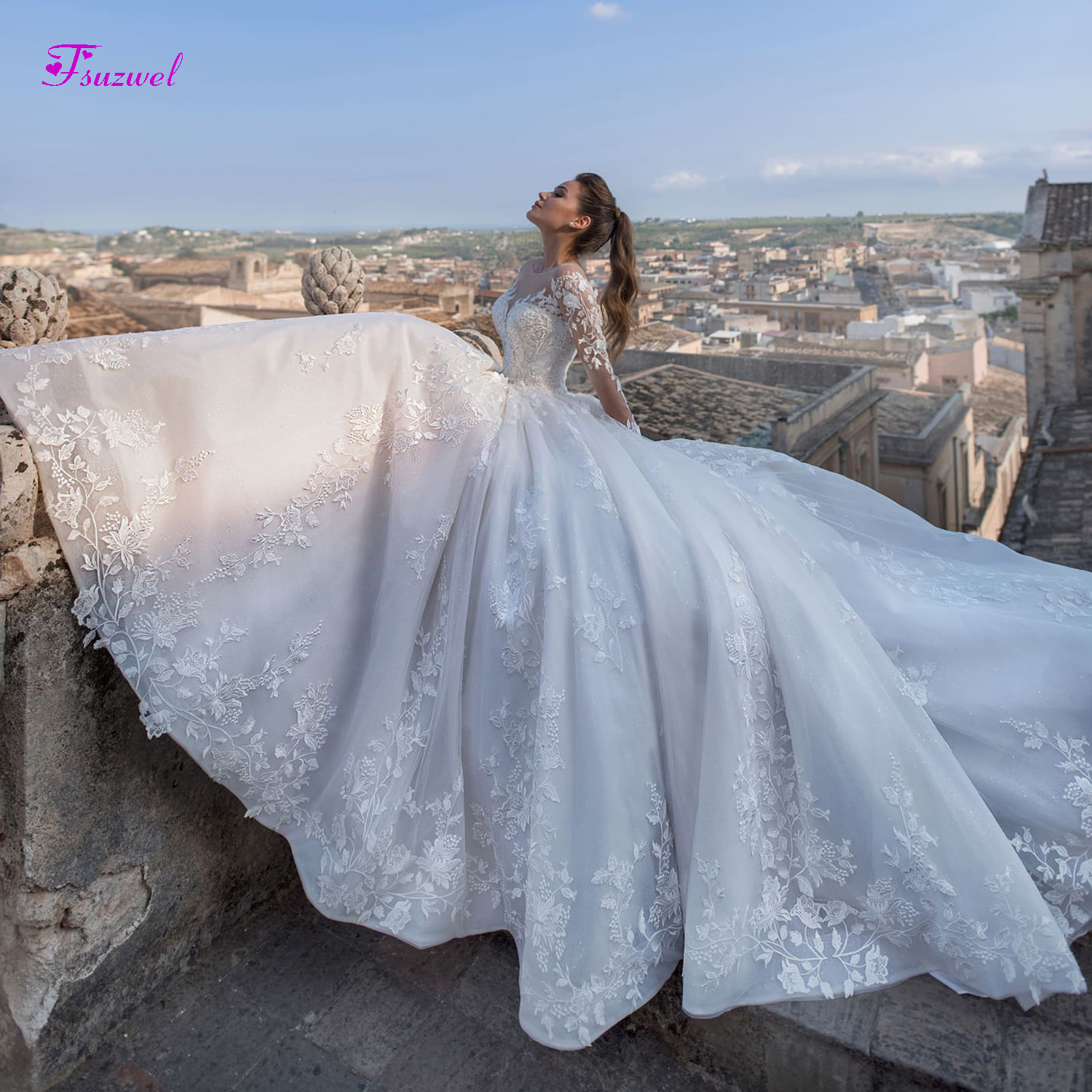 Fsuzwel New Luxury Appliques Court Train A-Line Wedding Dresses 2019 Fashion Scoop Neck Lace Up Princess Bridal Gowns Plus Size