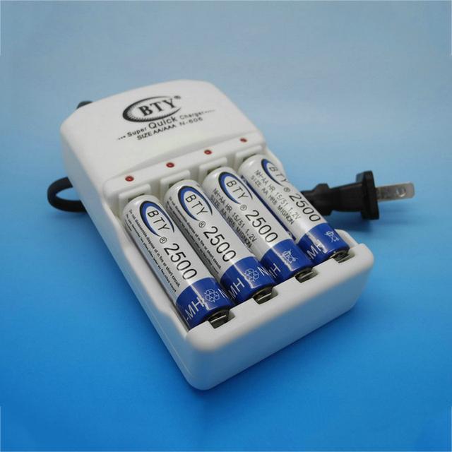 Ue ee.uu. plug universal cargador de batería cargador de 4 ranuras para baterías de nimh nicd aa aaa + 4*2500 mah de la batería recargable aa batería de 1.2 v ni-mh batteria
