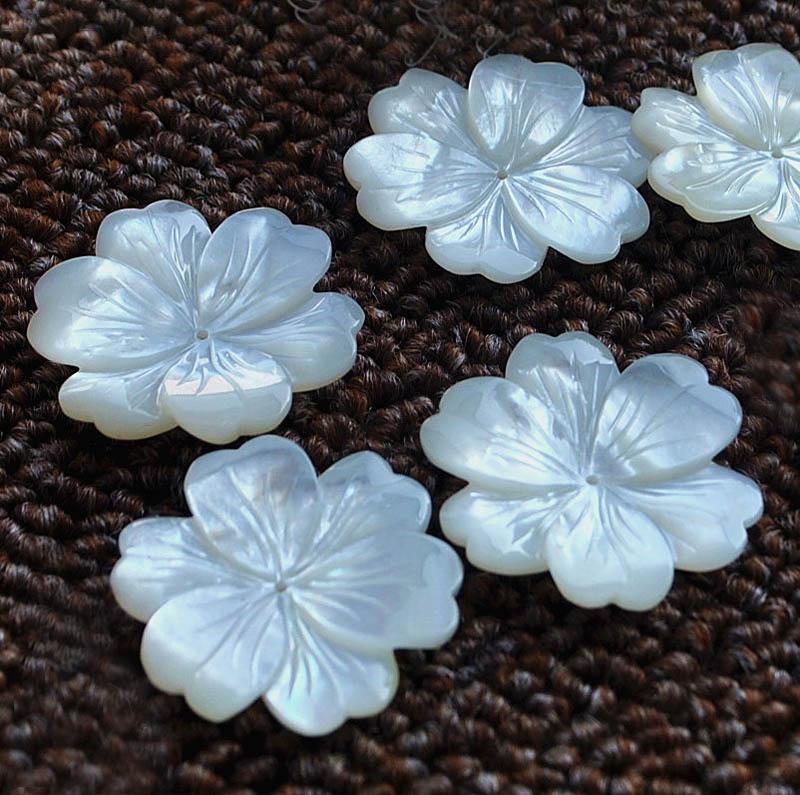 30 มิลลิเมตรแกะสลักสีขาวดอกไม้เสน่ห์ลูกปัดเจาะศูนย์ 1 มิลลิเมตรรูเจาะเครื่องประดับทำผล DIY Stuffs-ใน ลูกปัด จาก อัญมณีและเครื่องประดับ บน   3