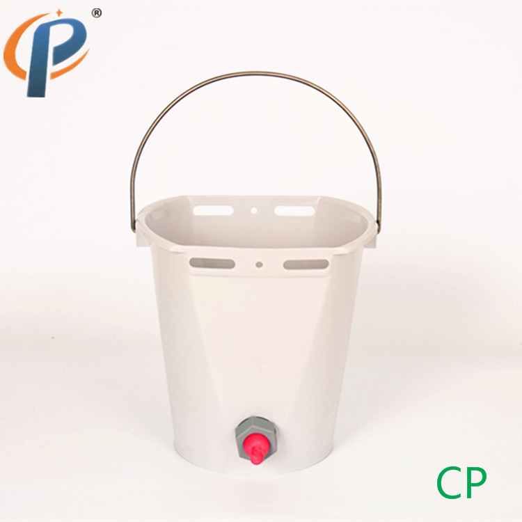 Lamb Feeder with Flexible Rubber Nipple Goat Feeding Nipple Milk Bucket with Replaceable Feeding Nipple in Feeding Watering Supplies from Home Garden
