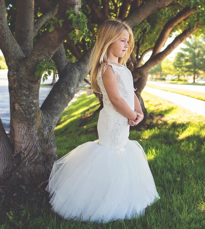 country-wedding-white-mermaid-flower-girls-dresses-tulle-ball-gown-train-lace-applique-beads-little-girls-pageant-dress-holy-communion-dress (2)_