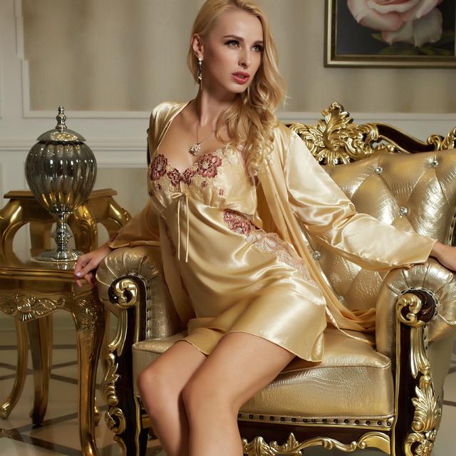 XIFENNI Marca Mujeres Albornoces ropa de Noche Amarillo Bordado de La Flor de Satén De Seda Robe Sets Moda de Encaje Con Cuello En V Conjunto de Lencería 1523
