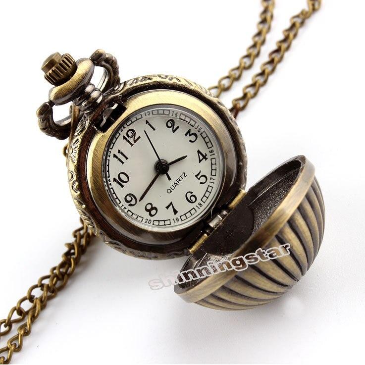 a7054d6796a Retro Bronze Antigo Mini Relógio de Bolso Com Colar de Bola Abóbora  pingente de Metal Quartz Bolso Fob Relógio Homens Relogio De Bolso nova