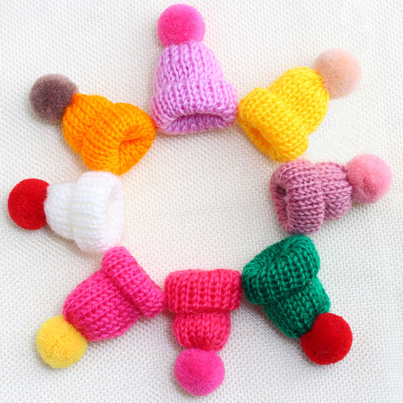 Colorful Mini Hat Brooches Sweater Collar Fashion Cute Brooch for Women And Kids Knitted Hairball Badges Pins Clothes Jewelry