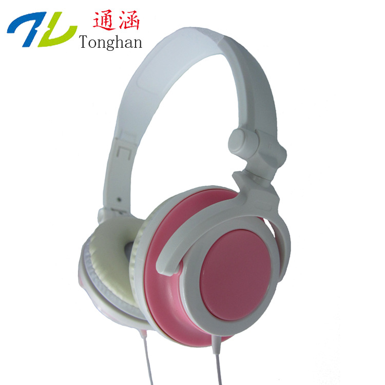 WD07 3.5mm Earphones Headsets Stereo Earbuds For mobile phone MP3 MP4 For PC