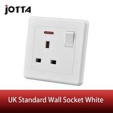 Настенная розетка британского стандарта с одной кнопкой светодиодная