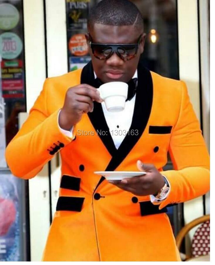 2017 Nouvelle Mode Jaune Veste Noir Pantalon À Double Boutonnage Hommes de  Partie De Costumes De Mariage De Bal Smoking Garçons D honneur Costumes  Smokings ... a7058e5d261