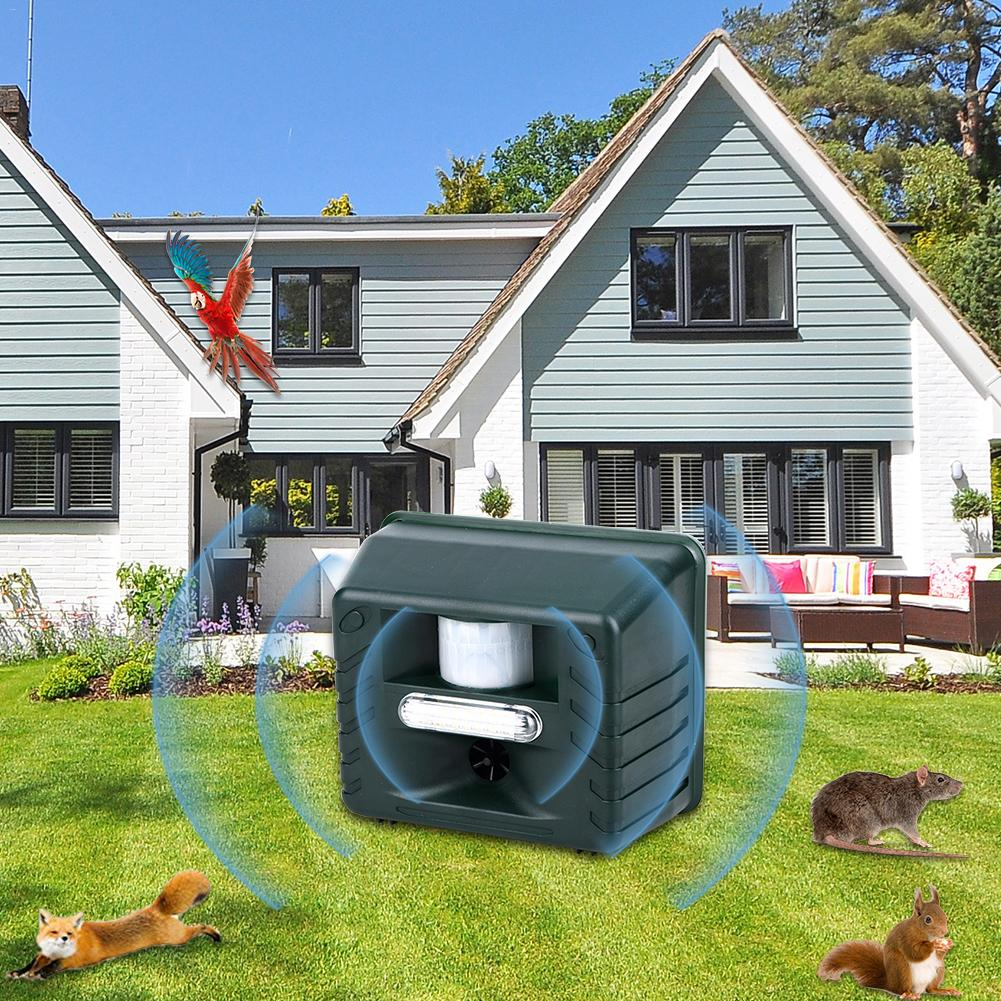 Garden Yard Ultrasonic Pest Repellers Remote Ultrasonic Light Flickering Infrared Induction Multifunctional Animal Repeller