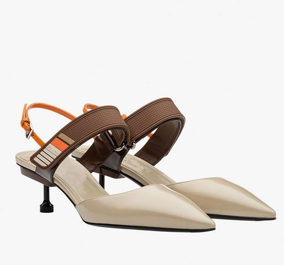 In the summer of 2017 the new cat shoes color matching pointed high-heeled shoes with leather shoes fashion Roman sandals in bao the new type of diamond mother sandals lady leather fish mouth flowers with leather high heeled shoes slippers women shoes