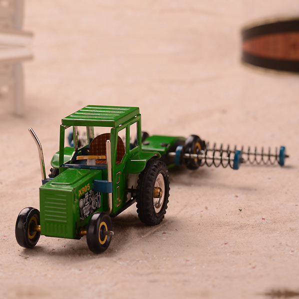 Classic Farm Tractors Tinwork Toys Tin Wind Up Toys For Collection Vintage Handmade Crafts Toys