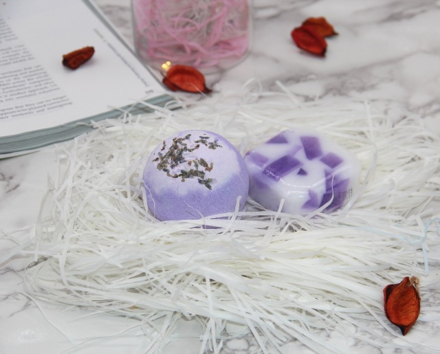120g bath bombs, 100g handmade soap, aromatic scents, moisturizing & nourishing ingredients, handmade, gift sets.