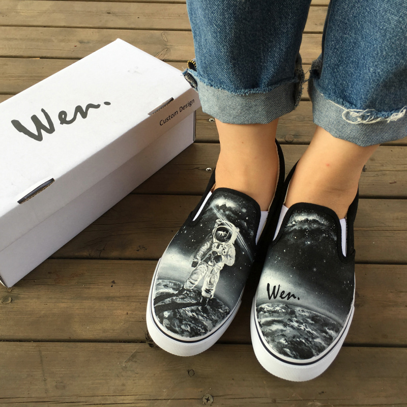 Wen Original Black Sneakers Design Custom Hand Painted Astronaut Stood On The Moon Outer Space Flight Slip On Canvas Shoes
