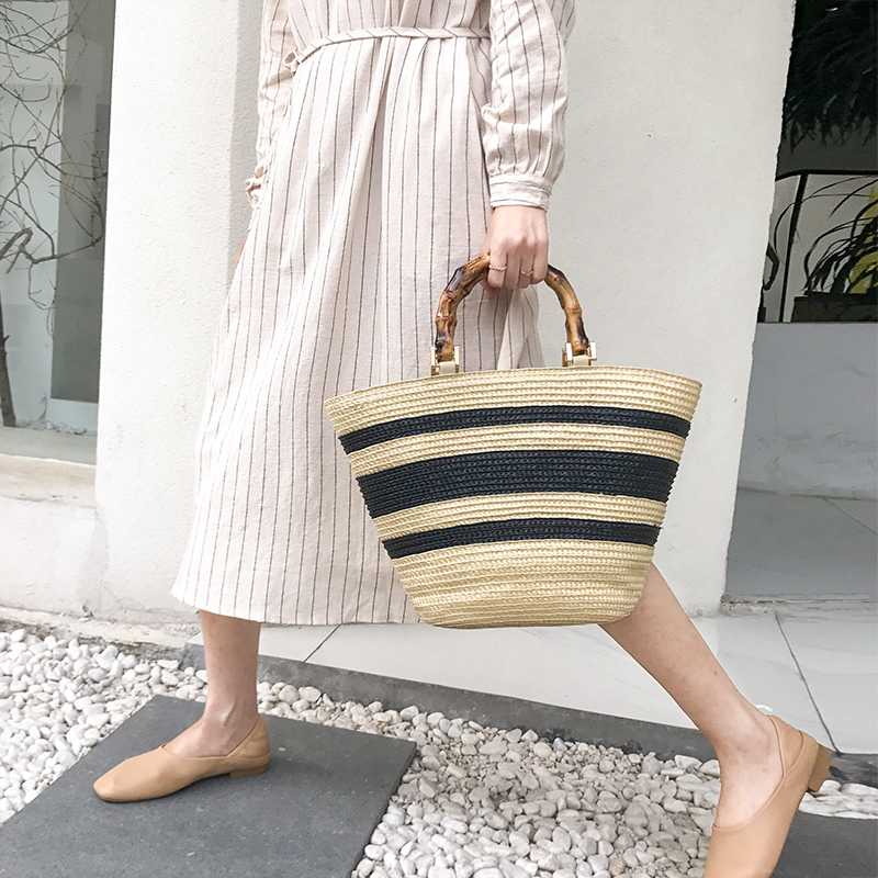 Fashion Bamboo Handle Women Handbags Casual Striped Bucket Bag Large Capacity Rattan Straw Bags Wicker Summer Beach Travel Purse