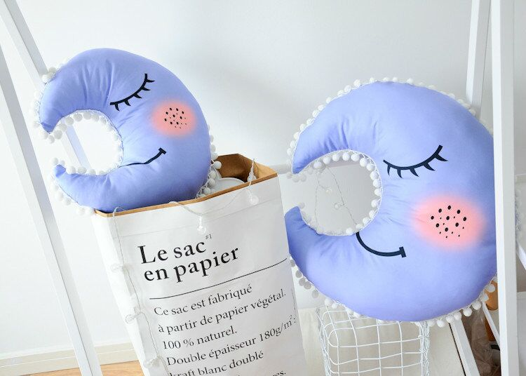 moon pillow (5)