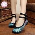 Brilhante Pavão Bordados Mulheres Sapatos Velhos Pequim Denim Flats Mary Jane Calcanhar Plana com Mulheres Sola Macia de Dança Sapatos Casuais